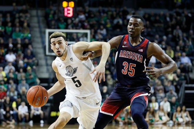 Chris Duarte (5) and the Oregon men's basketball team opens the season Wednesday against Missouri.