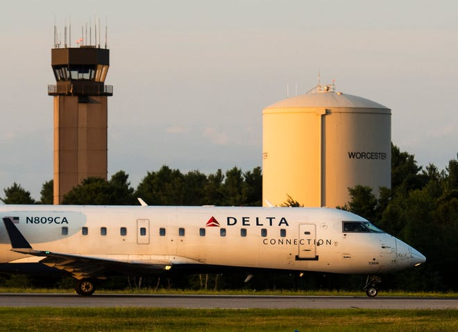 Delta's inaugural flight out of Worcester Regional Airport takes off on Aug. 2, 2019.