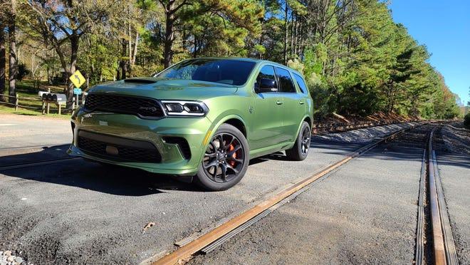 Review 2021 Dodge Durango Srt Hellcat Is The Hulk On Wheels