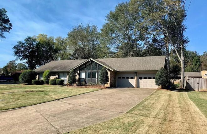 A home on Bedford Terrace in Prattville is for sale for $175,000 and includes three bedrooms and two bathrooms within 1,963 square feet of living space.