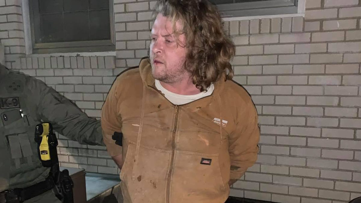Wilson County homicide suspect found hiding under house...