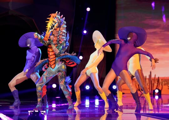 """THE MASKED SINGER: Seahorse in the """"The Semi Finals - The Super Six"""" episode of THE MASKED SINGER airing Wednesday, Dec. 2 (8:00-10:00 PM ET/PT) on FOX. © 2020 FOX MEDIA LLC. CR: Michael Becker/FOX."""