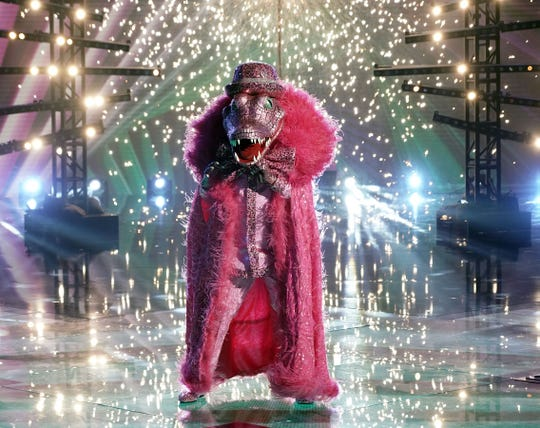 """THE MASKED SINGER: Crocodile in the """"The Semi Finals - The Super Six"""" episode of THE MASKED SINGER airing Wednesday, Dec. 2 (8:00-10:00 PM ET/PT) on FOX. © 2020 FOX MEDIA LLC. CR: Michael Becker/FOX."""