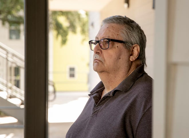 When Philip Sharp, 65, was diagnosed with bladder cancer, he worried about dying alone or not eating. He sometimes has had to resort to eating canned beans when he has little money left after paying for his medicine. [JAY JANNER/AMERICAN-STATESMAN]