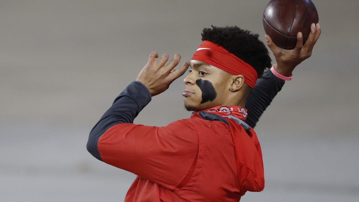 After cancellations, Ohio State's Justin Fields falls back in Heisman Trophy race