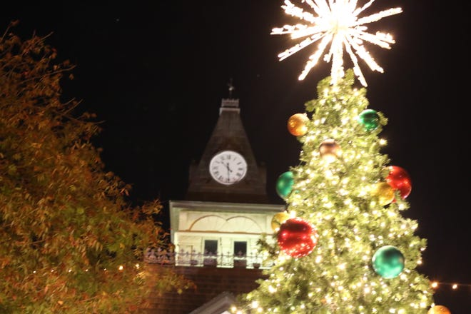 The Christmas season officially kicked off last Friday with the annual lighting of the Christmas tree at the Downtown Square. Beginning Saturday and running through the end of the month, there will be many holiday activities, shopping and dining in and around the Square to help people celebrate the season.