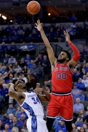 LJ Figueroa (30) transferred to Oregon over the summer and on Thursday the NCAA cleared him to play. (AP Photo/Nati Harnik)