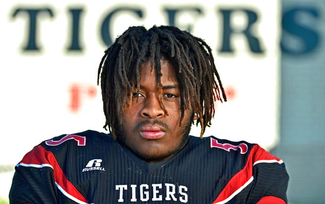 Palmetto High defensive tackle Floyd Dozier missed six games after dislocating his right shoulder and tearing a labrum in the third week of the season.