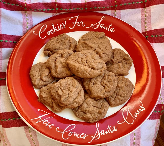 Chocolate lovers, don't limit yourself to making these Chocolate Cream Drop Cookies just during the holiday season.
