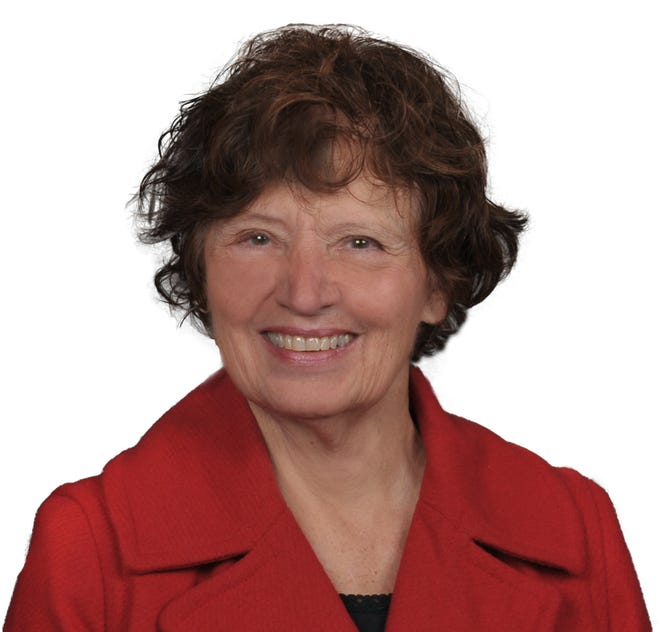 Oconomowoc resident Mary Steinke received the Lifetime Achievement Award from the Greater Milwaukee Association of Realtors.