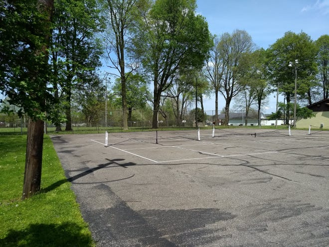 The existing Cahn Grove pickleball courts.