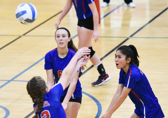 The New Hartford girls volleyball team participates in a game in Dec. 2019. The team hopes high-risk sports in New York state are authorized to play in 2021.