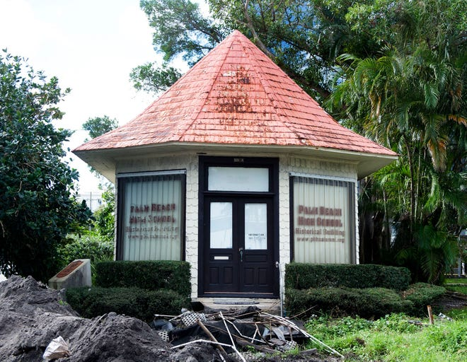 The Dade County State Bank, which dates to 1893, opened in this building on Palm Beach. It was moved to West Palm Beach in 1897, and now houses the Palm Beach High School Alumni Association museum.