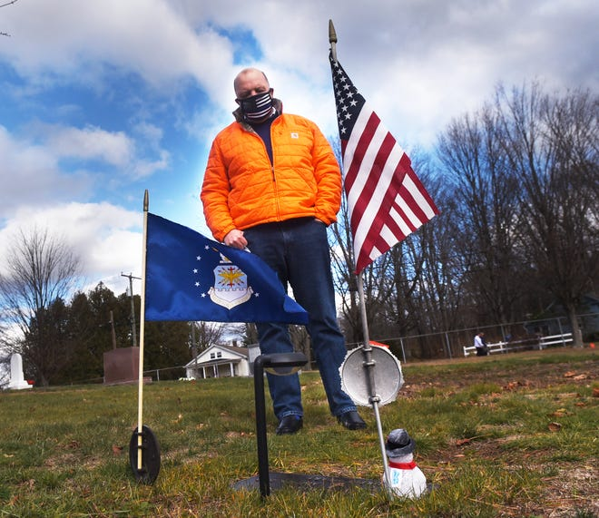 Former congressional candidate Matt Mayberry of Dover is raising money to put wreaths on veterans graves at Pine Hill Cemetery, meeting surviving loved ones at the cemetery as he conducts research.