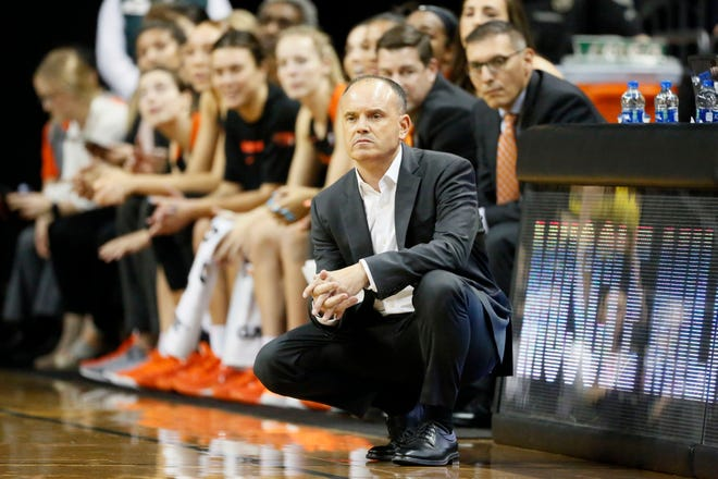Oregon State and coach Scott Rueck have put the program on pause after a confirmed case of COVID-19 within the program. (Soobum Im-USA TODAY Sports)