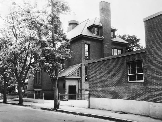 The Woodland Street School building in 1962.