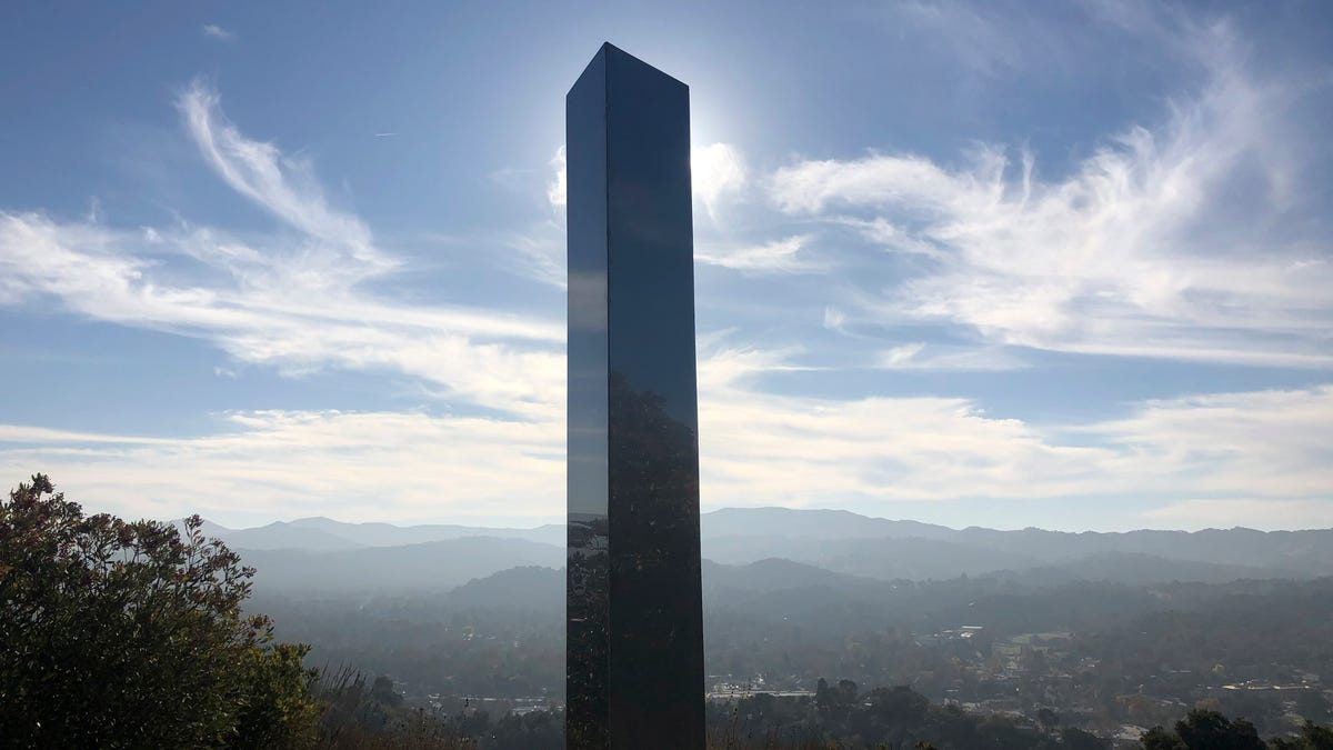 California monolith pops up after finds in Utah,...
