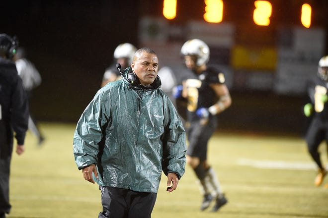 Evans takes on Valdosta during football action at Evans High School Friday evening December 4, 2020. [MICHAEL HOLAHAN/THE AUGUSTA CHRONICLE]