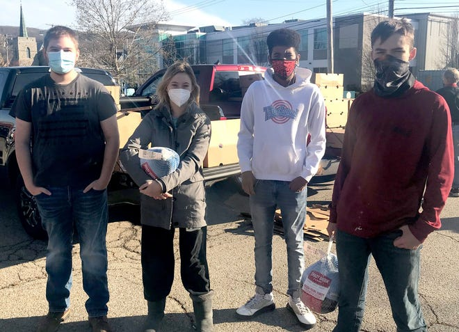 Students in the Hornell High School Government class work with Hornell Turning Point to provide Thanksgiving dinner for 300 local households, benefiting more than 850 people.