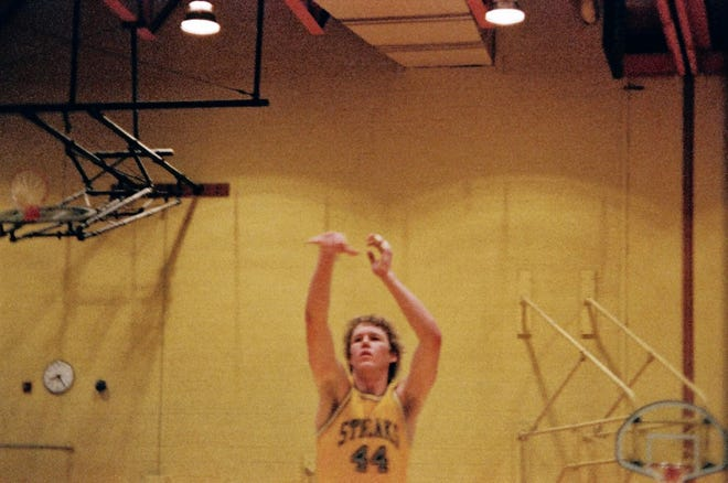 Scott Shaver, a 1979 Galesburg High School grad, puts up a shot during his basketball playing days as a member of the Silver Streaks. [SUBMITTED PHOTO]