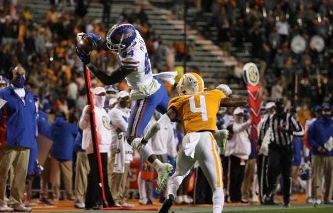 Florida tight end Kyle Pitts makes a catch Saturday against Tennessee at Neyland Stadium in Knoxville, Tenn.