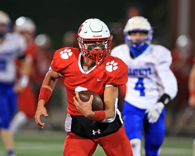 Beechwood quarterback Cameron Hergott runs for a touchdown in the KHSAA playoff game between Breathitt County and Beechwood high schools, Dec 4, 2020