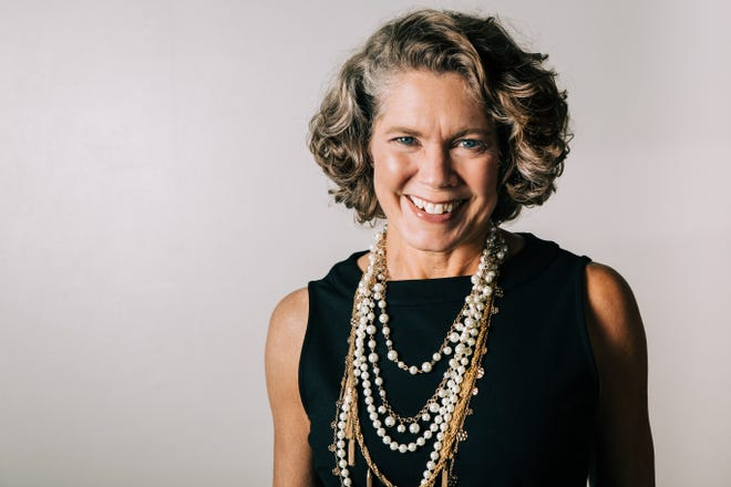 Carrie McConkey, Image Consultant and Freelance Writer, helps her clients sharpen their digital presence through her Knoxville-based business, Carrie M. Image Consulting.