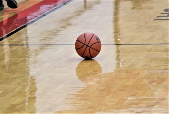 The Willard girls basketball team defeated Margaretta in the Division III District Final on Saturday at Shelby High School. It is the second straight district title for the Flashes.