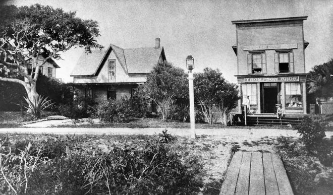 South Beach Street in Daytona Beach with Thompson Brothers Grocery Store on the right, circa 1890
