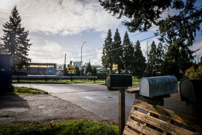 The Oregon Department of Environmental Qualityand Oregon Health Authorityare investigating toxin levels from J.H. Baxter Street wood treatment facility. The facility is near a residential area.