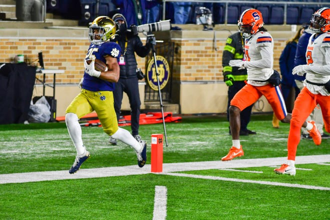 Notre Dame running back Chris Tyree scores in the fourth quarter against Syracuse.