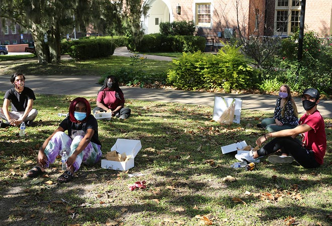 In early November, FSU celebrated its first-generation and underrepresented students by hosting a week-long's worth of events including Zoom seminars and meetings with faculty. Students, faculty and staff were able to learn about each others' experiences as first-generations college students.