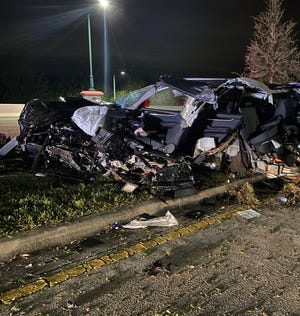 A Naples man was killed after losing control of an SUV and driving into a tree on Golden Gate Parkway early Sunday morning