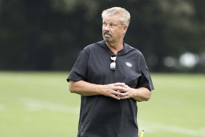 New York Jets defensive coordinator Gregg Williams watches as players take part in drills Aug. 21, 2019, at the team's training facility in Florham Park, New Jersey.