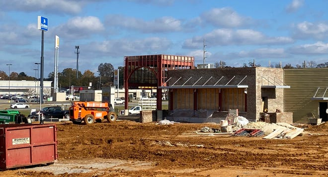 Walk-On's is under construction on Skyland Blvd., seen Monday, Dec. 7, 2020. [Staff Photo/Gary Cosby Jr.]
