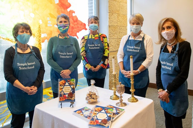 Temple Israel Sisterhood members from left: Sherrie Mendelson, Martha Billings, Joanna Novey, Lesley Mendelson and Susan Turner