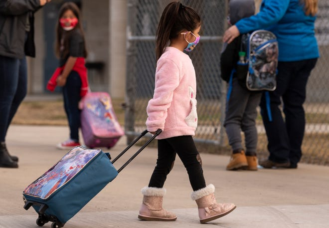 Elementary school students returned to classrooms Monday, December 7, 2020. Visalia Unified School District leaders have said they are adhering to federal health protocols.