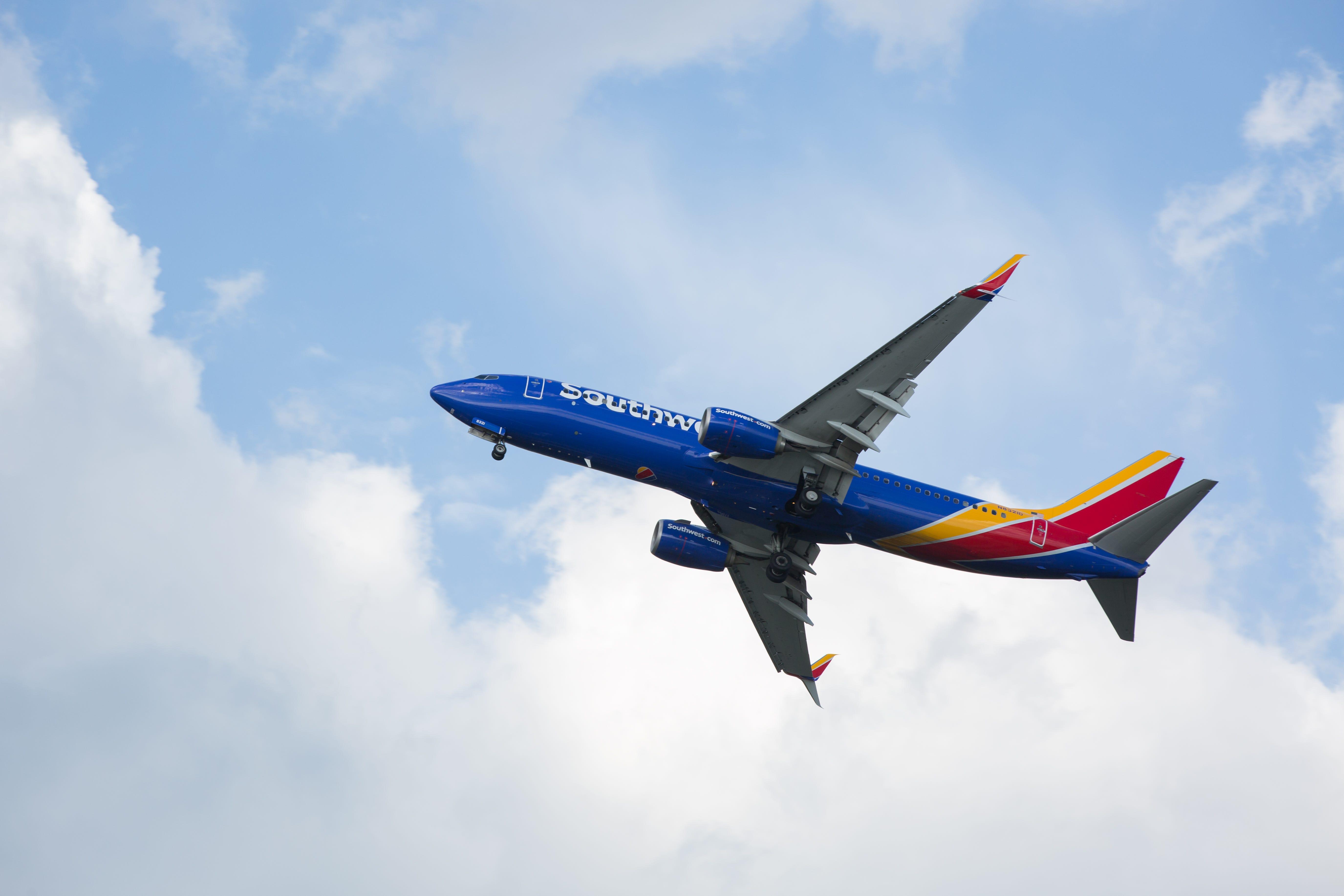 Southwest pilot gets a memorable sendoff as he retires: Aerial shots of his final takeoff