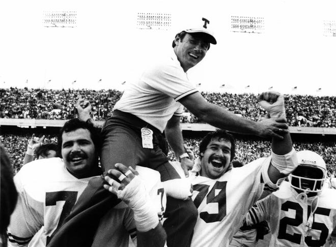 Former Texas head coach Fred Akers went 86-31-2 in 10 years with the Longhorns in the 1970s and 1980s. He succeeded Darrell Royal after the 1976 season. Akers died on Monday at the age of 82.