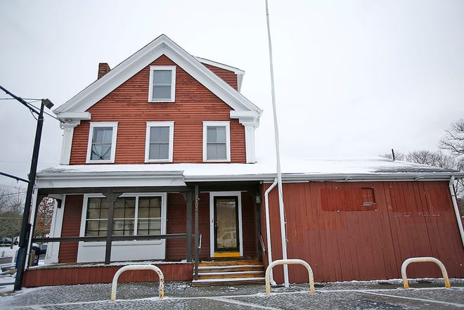 The Assinippi General Store and the Eating Establishment in Hanover which is closing on Tuesday December 8, 2020 Greg Derr/The Patriot Ledger