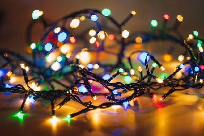 Story County residents can take a tour of festive lights and vote for their favorite.