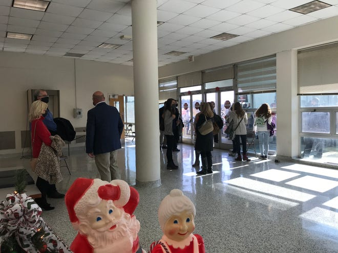 Opponents of the proposed Pilgrim's Pride rendering plant in Gadsden gathered for a second week on Tuesday as the City Council met.