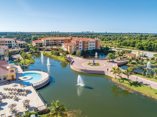Genova's location is one of its most popular features. The community's convenient access to the airport and local shopping and dining destinations make the holidays easier.