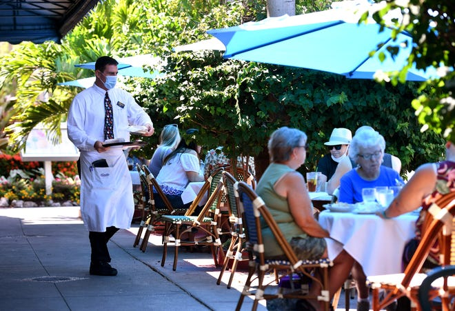 St. Armands Circle has long been one of Sarasota's top attractions, offering indoor and outdoor dining and, of course, shopping.