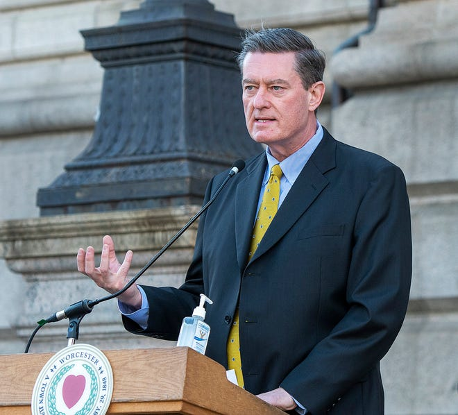 City Manager Edward M. Augustus Jr. speaks about covid-19 case numbers during a press conference behind City Hall October 15, 2020.