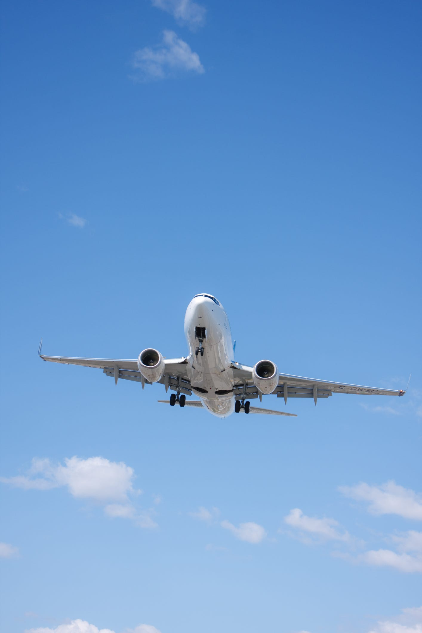 Ask the Captain: How do you land a plane in rapidly changing crosswinds?