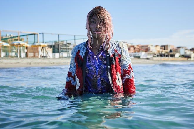 """Michaela Coel propose un tour de force dans le rôle d'Arabella dans HBO's """"Je peux te détruire."""""""
