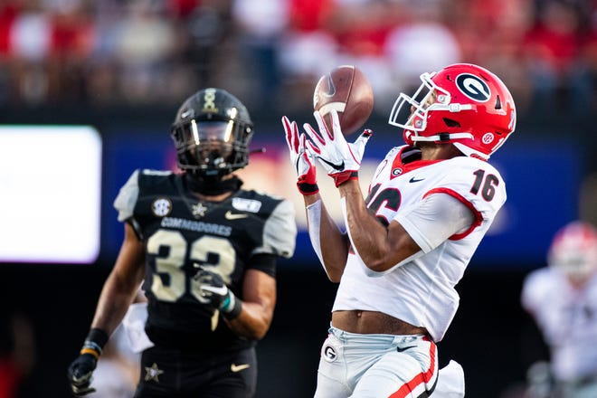 Georgia Bulldogs wide receiver Demetris Robertson (16) makes a first down reception called back due to holding int the first quarter against Vanderbilt during an NCAA football game on Saturday, Aug. 31, 2019 in Nashville, Tenn. (AP Photo/Brett Carlsen)