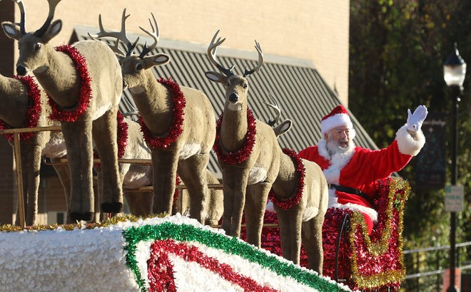 Belmont Christmas parade goes on