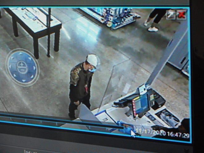 The VPSO is seeking assistance in identifying two people who allegedly have used a stolen credit card.